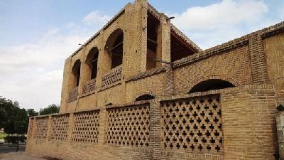 بنای معین التجار از بناهای زمان ناصرالدین شاه