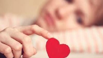 دختران چگونه عشق را با زبان بدن نشان میدهند