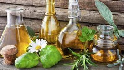 کدام عرقیات گیاهی برای درمان کبد چرب مفید هستند