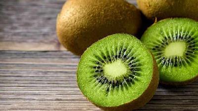 کیوی میوه پرخاصیت؛ از سلامت قلب تا تناسب اندام