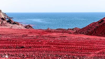 ساحل سرخ در جزیره هرمز