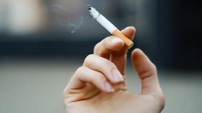 سیگار کشیدن به زیبایی آسیب می زند