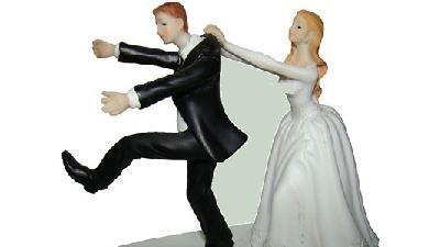 عجیبترین ترفند دامادها برای فرار از چنگ عروس خانمها
