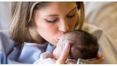 خوراکی هایی که شیر مادر را بیشتر می کنند