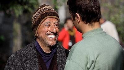 علیرضا خمسه در نقش بابا پنجعلی در سریال پایتخت