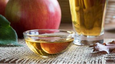 اگر دسترسی به مواد شوینده ندارید ترکیب الکل و سرکه به راحتی ویروس را از بین میبرد.