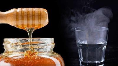 عسل و آب گرم برای لاغری موثر است
