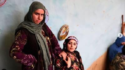 روژان و روناک در سریال نون-خ