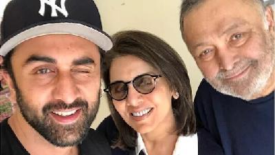 ریشی کاپور همراه همسر و پسرش