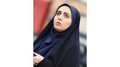 مهشید جوادی در نقش مرضیه مقدم در سریال بچه مهندس