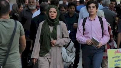 مانی رحمانی در فصل دوم سریال بچه مهندس نقش نوجوانی جواد جوادی را بازی کرد