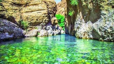 دره نی گا در دل اشترانکوه واقع شده است