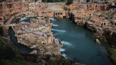 از سازههای آبی تاریخی شوشتر دیدن کنید
