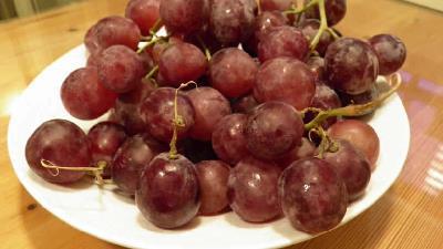 انگور قرمز بر چربی سوزی اثر دارد