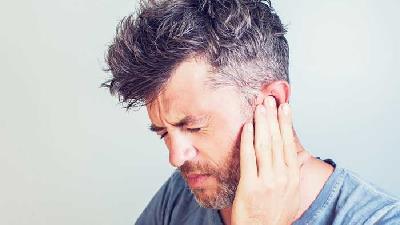 تینیتوس یا وزوز گوش را چه طور می توان درمان کرد