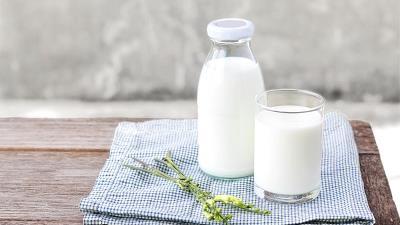 شیر به خواب خوب کمک می کند