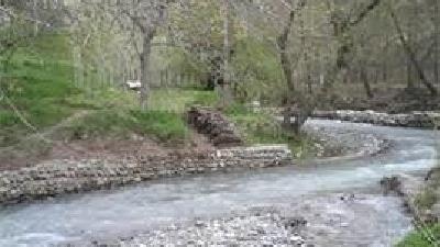 رود کردان از دیدنی های این روستا است