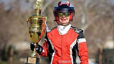 لاله صدیق قهرمان اتومبیلرانی کشور