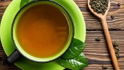 چای سبز جوش سر سیاه را درمان می کند