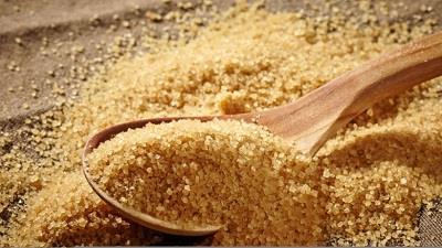 شکر قهوه ای جوش سر سیاه را درمان می کند