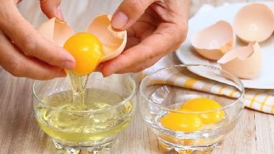 سفیده تخم مرغ برای درمان جوش سیاه مفید است