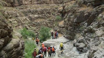 از سفر به دره شمخال لذت ببرید
