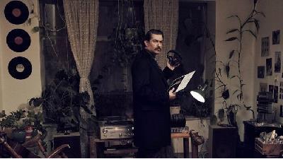 پارسا پیروزفر در فیلم بی حسی موضعی