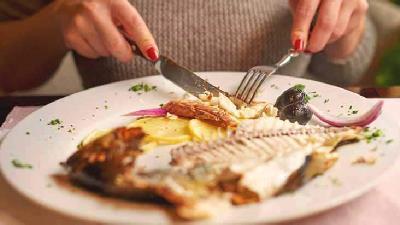 ماهی بخورید تا پوست تان خشک نشود