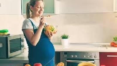 زنان باردار چه غذاهایی بخورند