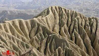 کوه های مریخی چابهار بسیار زیبا است