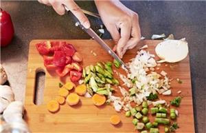 برای پیشگیری از پوکی استخوان سبزیجات بخورید