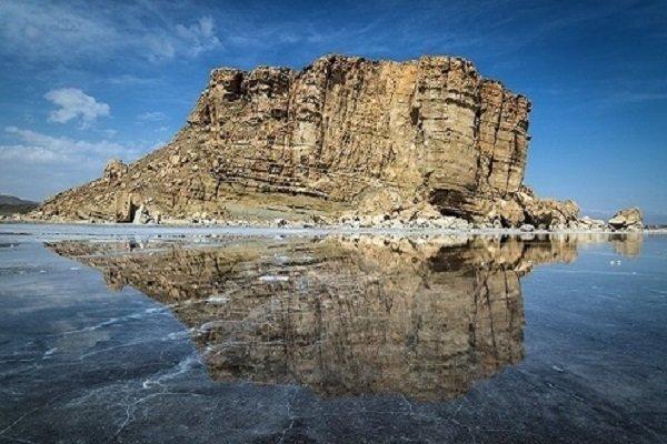 زایندهرود، خوشحال؛ دریاچه ارومیه، بیمار