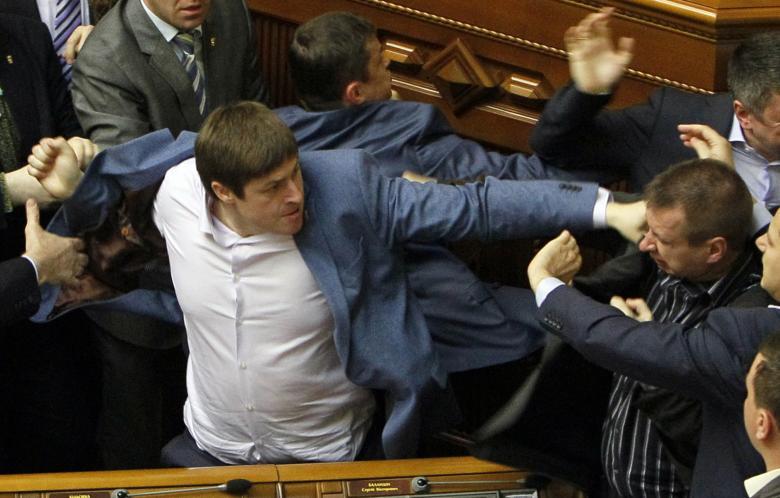 قانونگذاری با چاشنی خشونت
