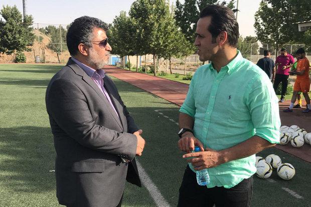 قول مدیران نفت تهران علی کریمی را ماندگار کرد