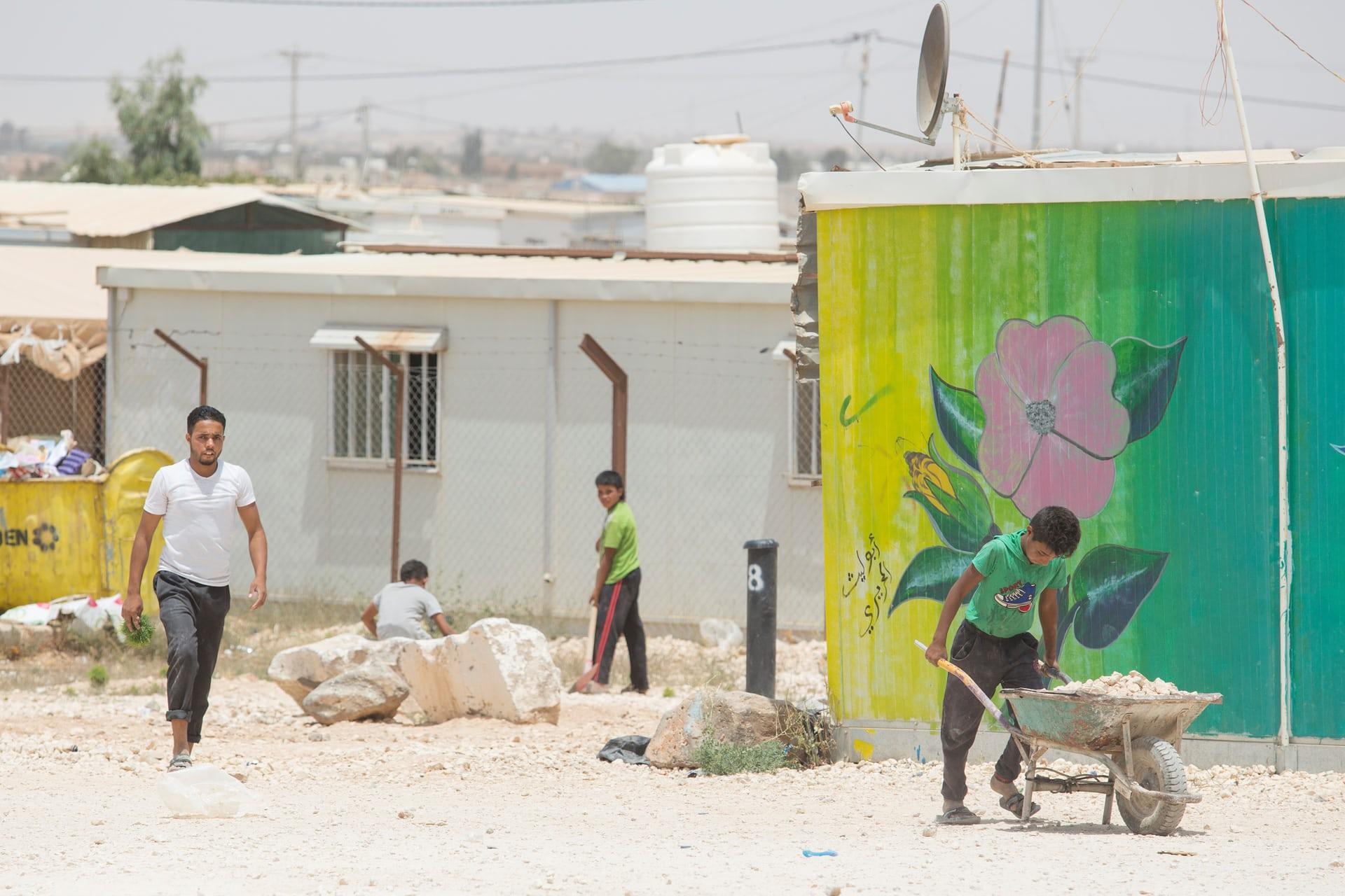 معضل بازماندگی از تحصیل کودکان سوری در اردوگاه زعتری