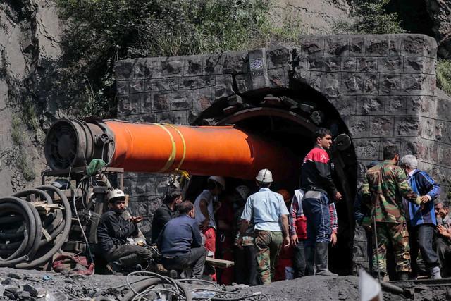 2 کشته و مصدوم در انفجار معدن زغالسنگ دیزین