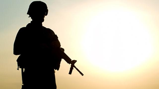 مضرات و فواید سربازی اجباری
