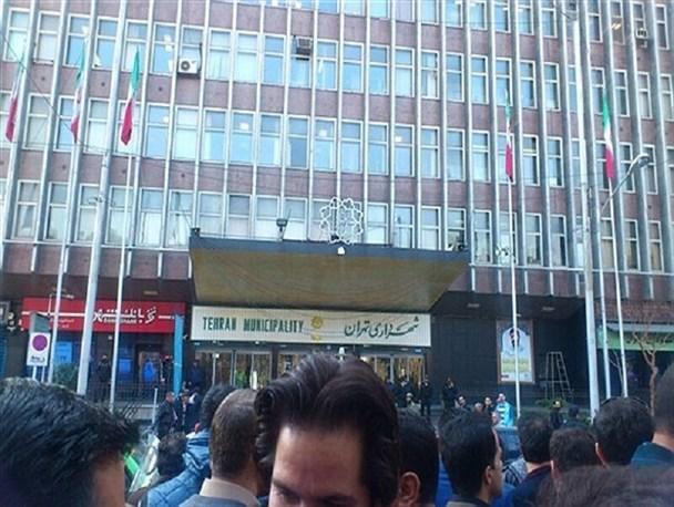 نظرات متفاوت دو عضو شورای شهر تهران درباره قراردادهای دقیقه 90 شهرداری