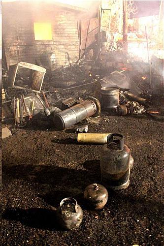 گزارش تصویری از آتشسوزی گسترده در انبارچوب