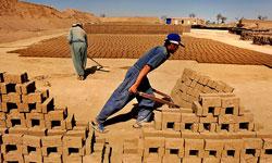نان کارگران کوره آجر میشود