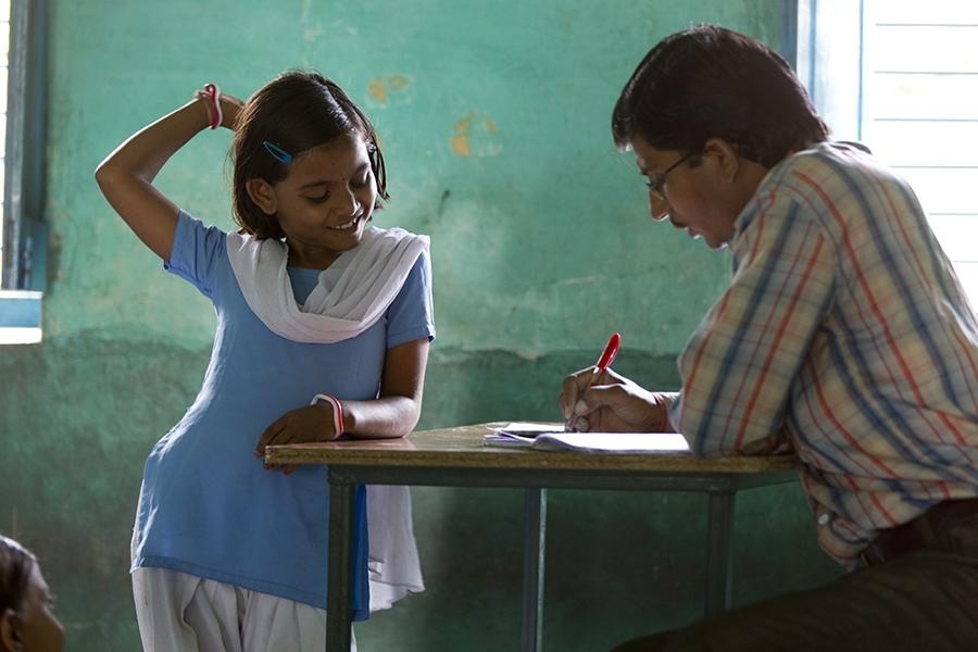 معلمها در دنیا چگونه استخدام میشوند؟
