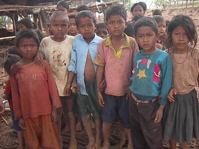 کاسبی یتیمخانهها با اجاره کودکان در کشورهای فقیر