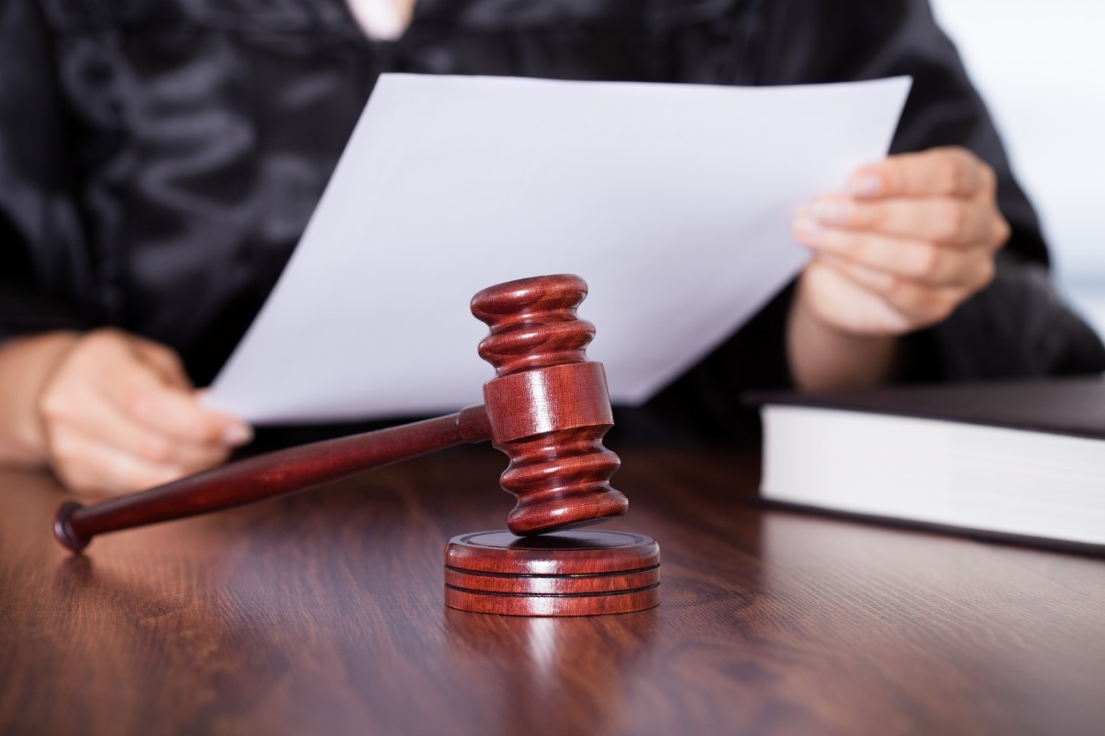 مشاوران در تقابل با کانون وکلا