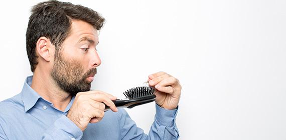 ریزش مو تا چه حد طبیعی است؟