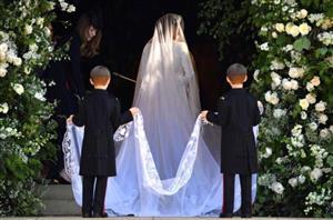 رمزگشایی از تاج عتیقه و لباس عروس نوه ملکه انگلیس