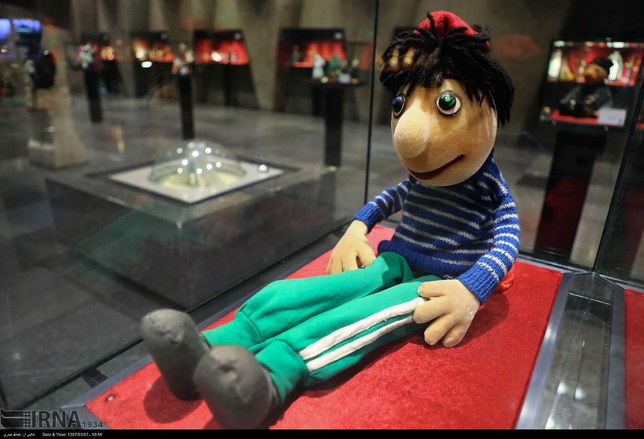 عروسک در گذر زمان