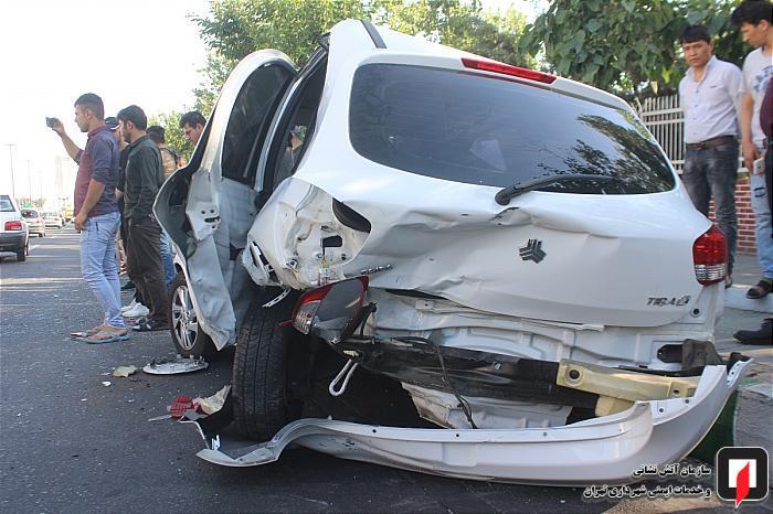 تصادف شدید در بزرگراه محمد علی جناح