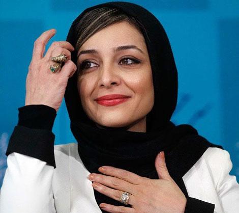 فیلم/ کیک بریدن ساره بیات در پشت صحنه رحمان 1400