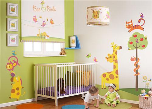 پیشنهادهای ارزان برای تزئین اتاق کودک
