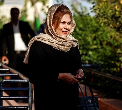 مهرانه مهینترابی: هنوز از دلدادگان طلب دارم